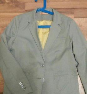 Пиджак новый 48-50