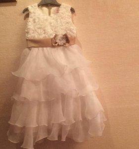 Нарядное платье для девочка