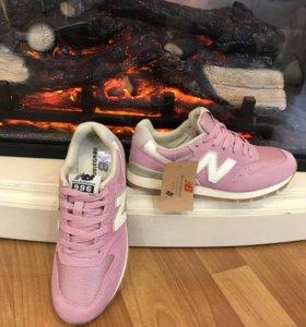 Кроссовки New Balance розовые замша