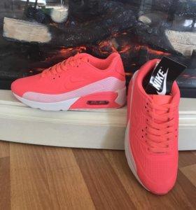 Кроссовки Nike кислотные розовые
