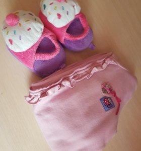 Новые детские тапочки и кофточка