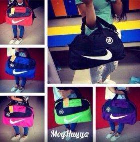 Спортивные сумки Nike
