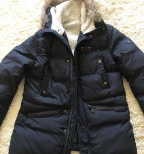 Зимняя куртка Armani.