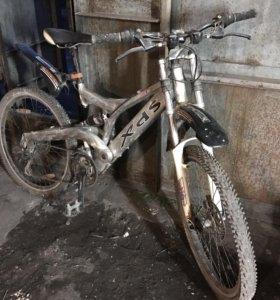 Двухподвесный горный велосипед