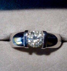 Кольцо из белого золота с бриллиантом 1,4 карата