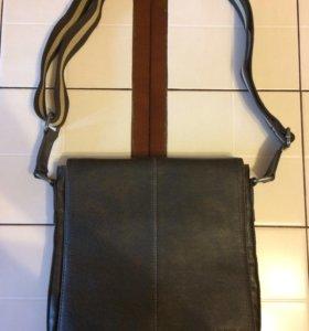 Вместительная сумка-планшет новая