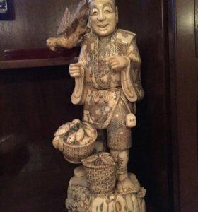 Статуэтка Китаец с птицей