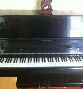Продам пианино.