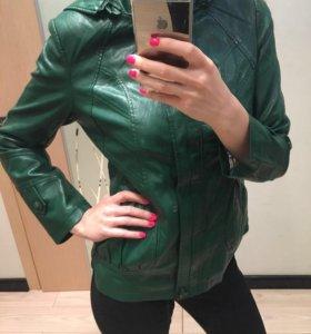 Куртка кожаная, женская.