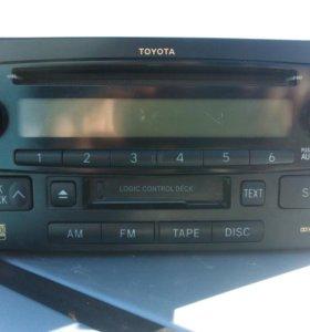 Штатная магнитола на Toyota Corolla