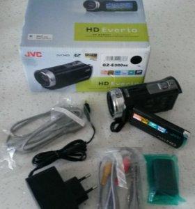 Видеокамера JVC Everio GZ-E300BE Black