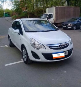 Opel Corsa 1.4 2012 года
