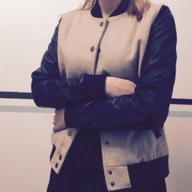 Куртка Бомбер женский с кожаными рукавами