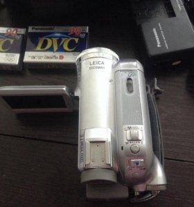 Видеокамера NV-GS300