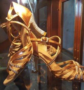 Туфли для бальных танцев (латина)