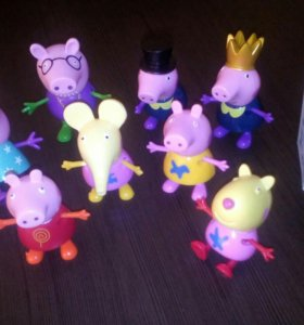 Маленькие игрушечные герои