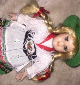 Кукла фарфоровая,21см