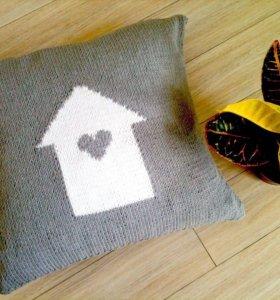 "Подушка вязаная спицами "" сердце дома.""❤️"