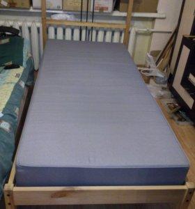 Кровать Икеа с пружинным матрасом