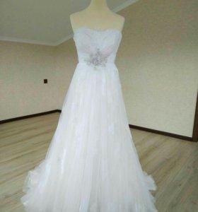 Свадебное платье от французского дизайнера
