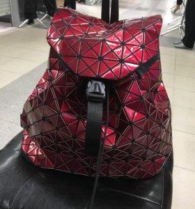 Новый легкий и очень стильный рюкзак