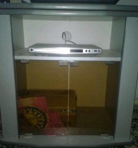 Телевизор LG, DVD плеер Филипс, подставка под тв