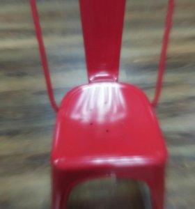 Железные стулья