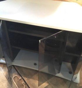 Тумба под телевизор серого цвета стеклянные дверки