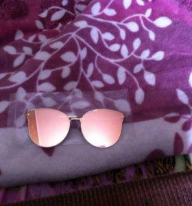 Продам новые женские очки