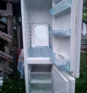 Холодильник б. У. Веко