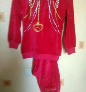 Домашний велюровый костюм, Испания, новый