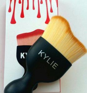 Кисть Kylie
