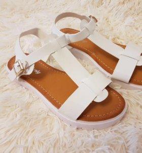 Новые босоножки сандали
