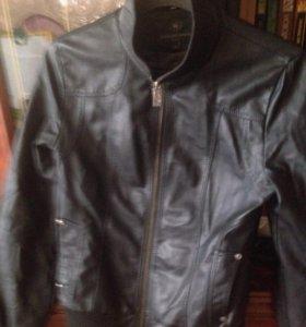 Куртка в хорошем состоянии