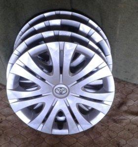 Колпаки на Toyota Corolla R16