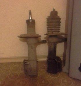 Продам передние стойки (-90) и 4 пружины (-90)
