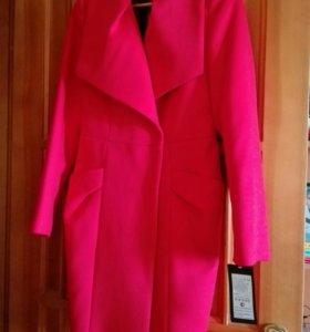 Пальто демисезонное, р.44_46, новое, приталенное