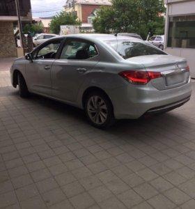Автомобиль- CITROEN-C4-2014г.