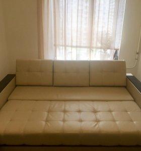 Кожаный диван кровать
