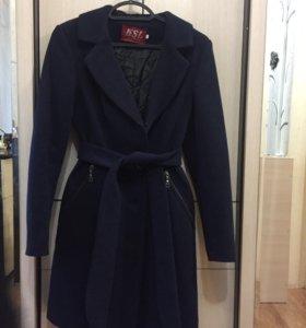 Пальто демисезонное 40-42 размер