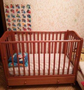 Детская кроватка и много бонусов