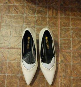 Новые туфли 34размер!