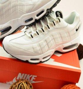 Кроссовки Nike Air Max 95 Essential White
