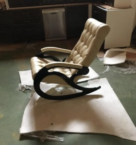 Кресло качалка ЭКО кожа новый