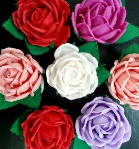 Роза из фоамирана на резиночке