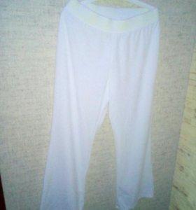 Спортивные плюшевые брюки.новые