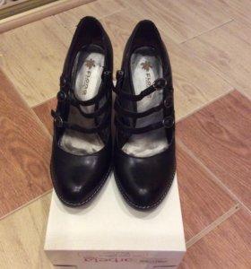 Продам туфли 40р