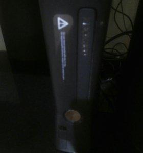 Xbox 360+9 игр.Приставка и джостик в хорошем сост.