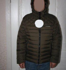 Новая мужская демисезонная куртка болотного цвета