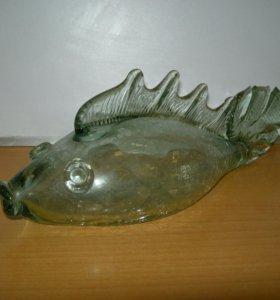 Декоративная фигурка рыбы, зеленое стекло